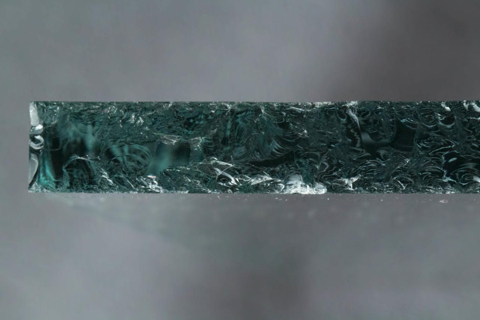 Echantillon verre grugeage zoom tranche
